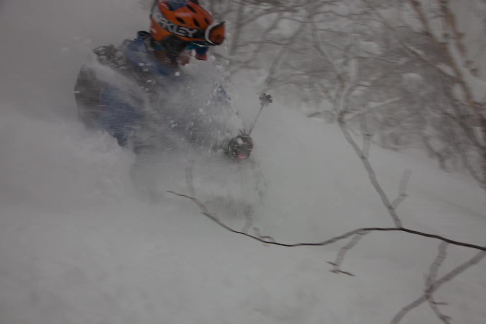 Grown founder Tobias Luthe on TheOnly in 190cm in Hokkaido pow.