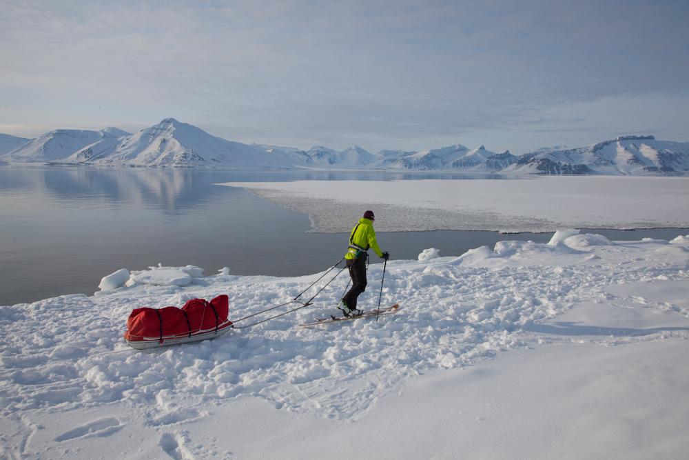 Grown friend Su Moldau on a Grown expedition at Billefjord, Svalbard