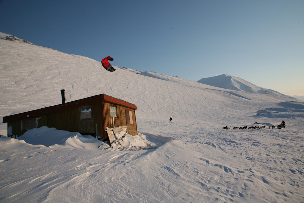 Snow kite, dog sled and ski adventure in the Arctic of Svalbard